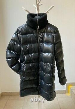Cosy & Warm Moncler Luxury Womens Long Puffer Shiny Coat Jacket Size 4 Around XL