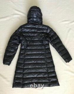 Moncler Moka womens down Coat in Navy Size 2